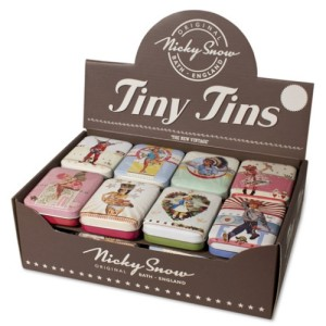 Nicky Snow Retro Tiny Tin 7cm x 4cm - assorted designs